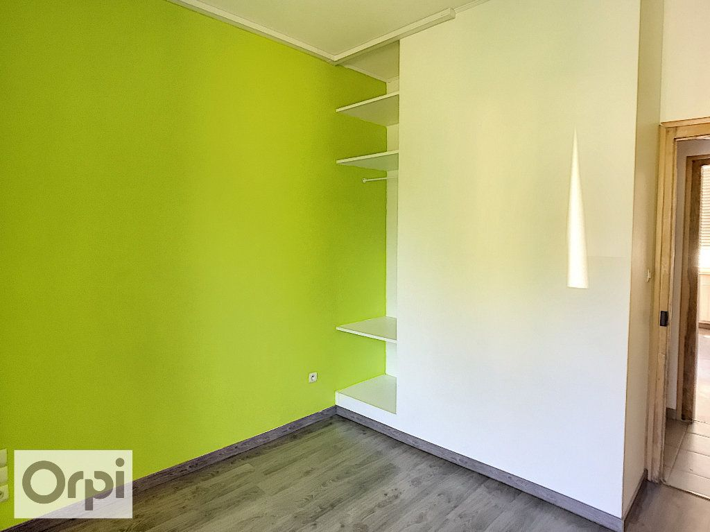 Appartement à louer 3 50.07m2 à Montluçon vignette-6