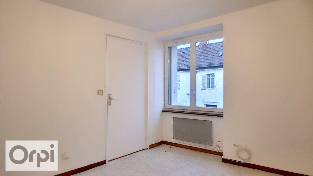 Appartement à louer 2 44m2 à Montmarault vignette-6