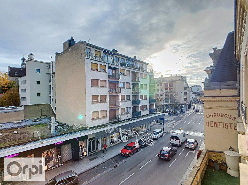 Appartement à louer 4 89.16m2 à Montluçon vignette-7