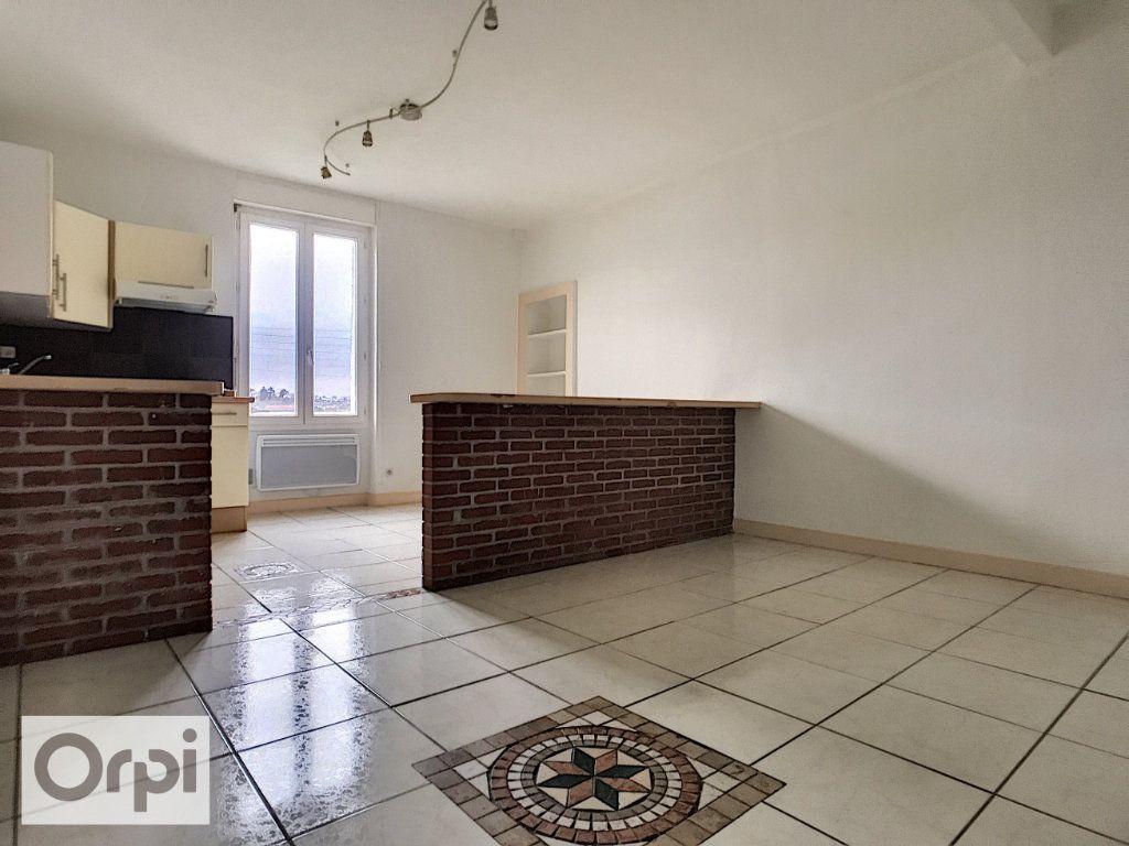 Appartement à louer 2 40.68m2 à Montluçon vignette-1
