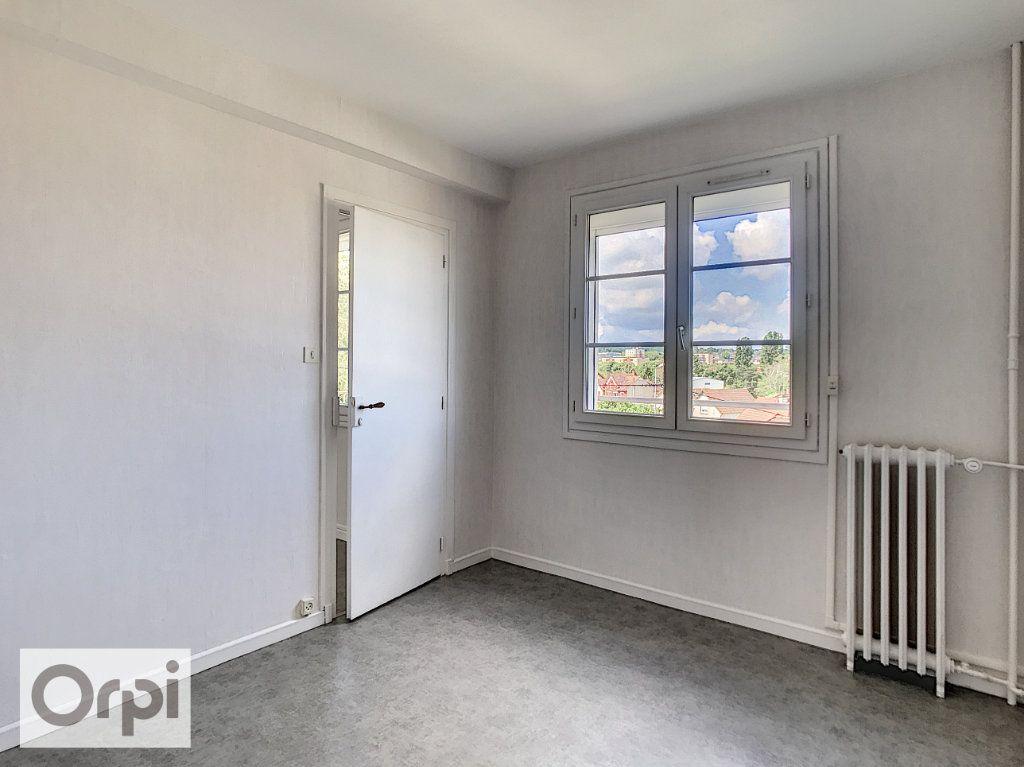 Appartement à louer 3 52m2 à Montluçon vignette-6