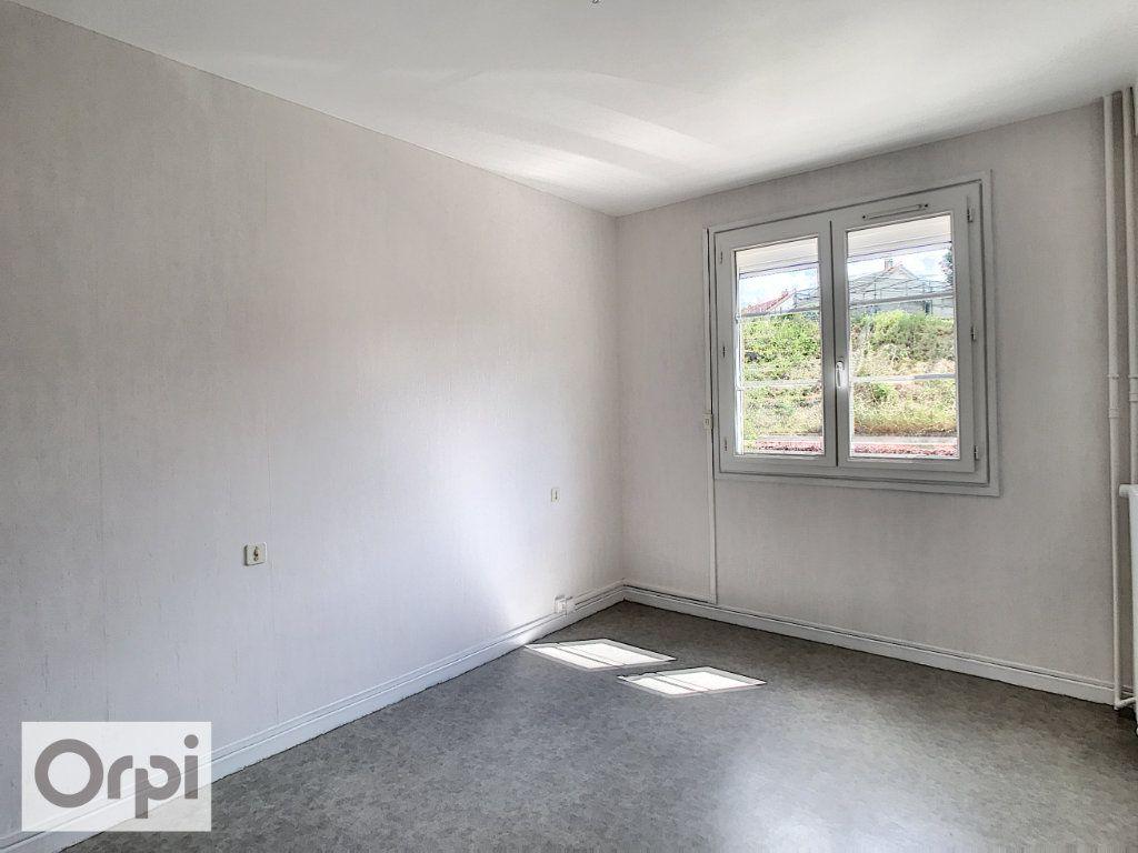 Appartement à louer 3 52m2 à Montluçon vignette-8