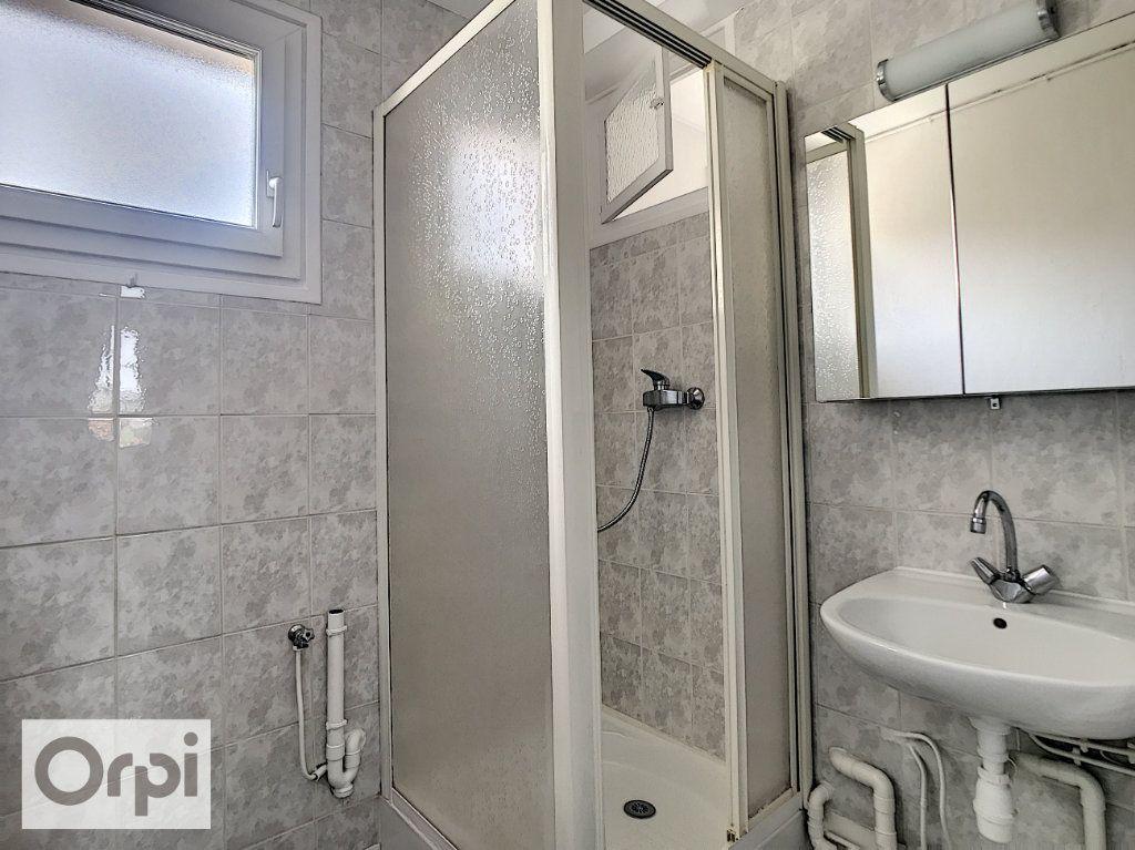 Appartement à louer 3 52m2 à Montluçon vignette-10