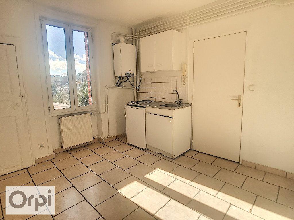 Appartement à louer 1 26.09m2 à Montluçon vignette-1