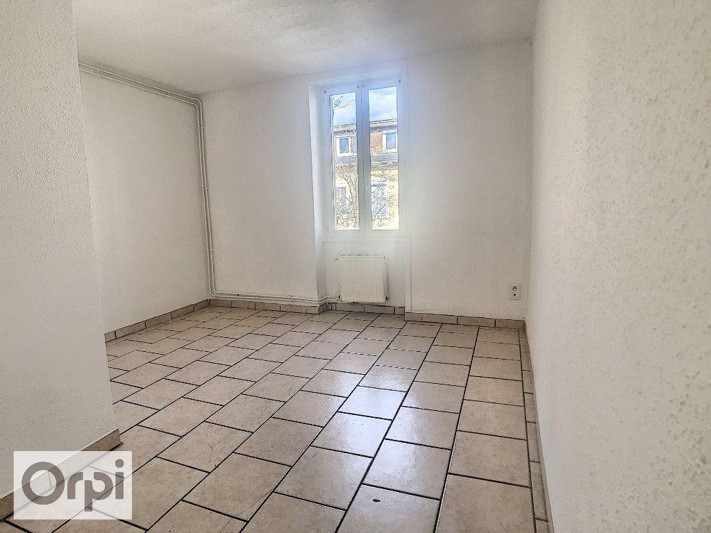 Appartement à louer 1 26.09m2 à Montluçon vignette-3