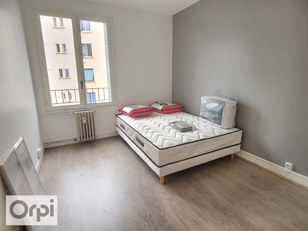 Appartement à louer 3 58m2 à Montluçon vignette-6
