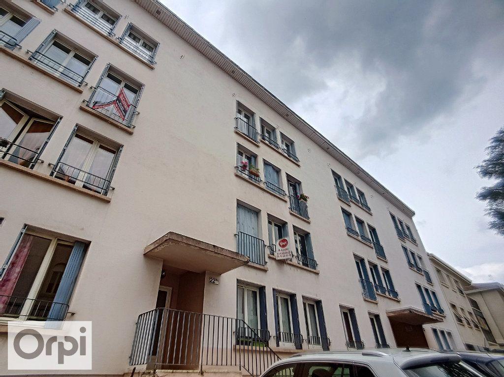 Appartement à louer 3 58m2 à Montluçon vignette-8