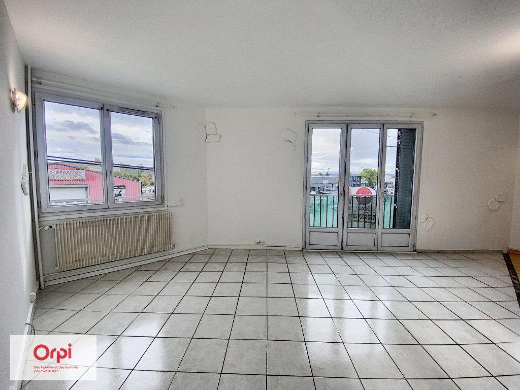Appartement à louer 2 45.7m2 à Montluçon vignette-3