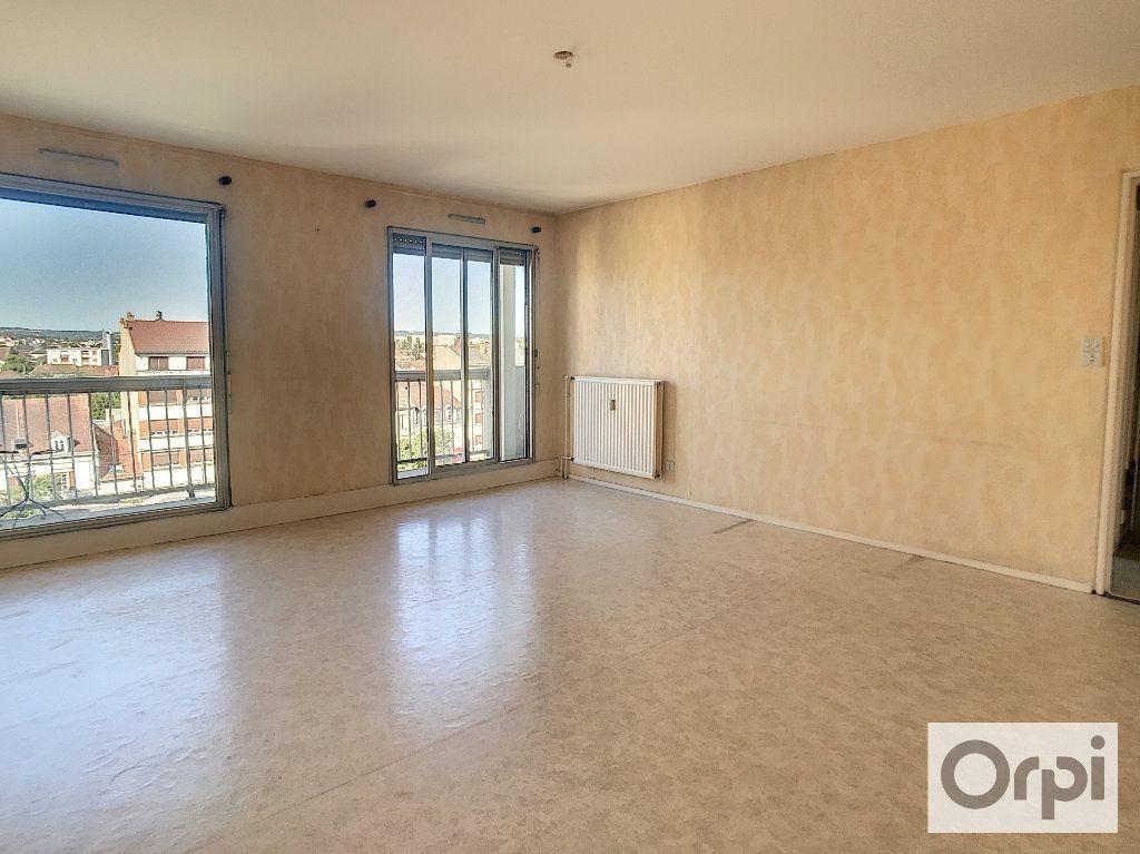 Appartement à louer 2 53.09m2 à Montluçon vignette-3