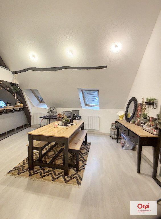 Appartement à louer 2 62m2 à Montluçon vignette-2