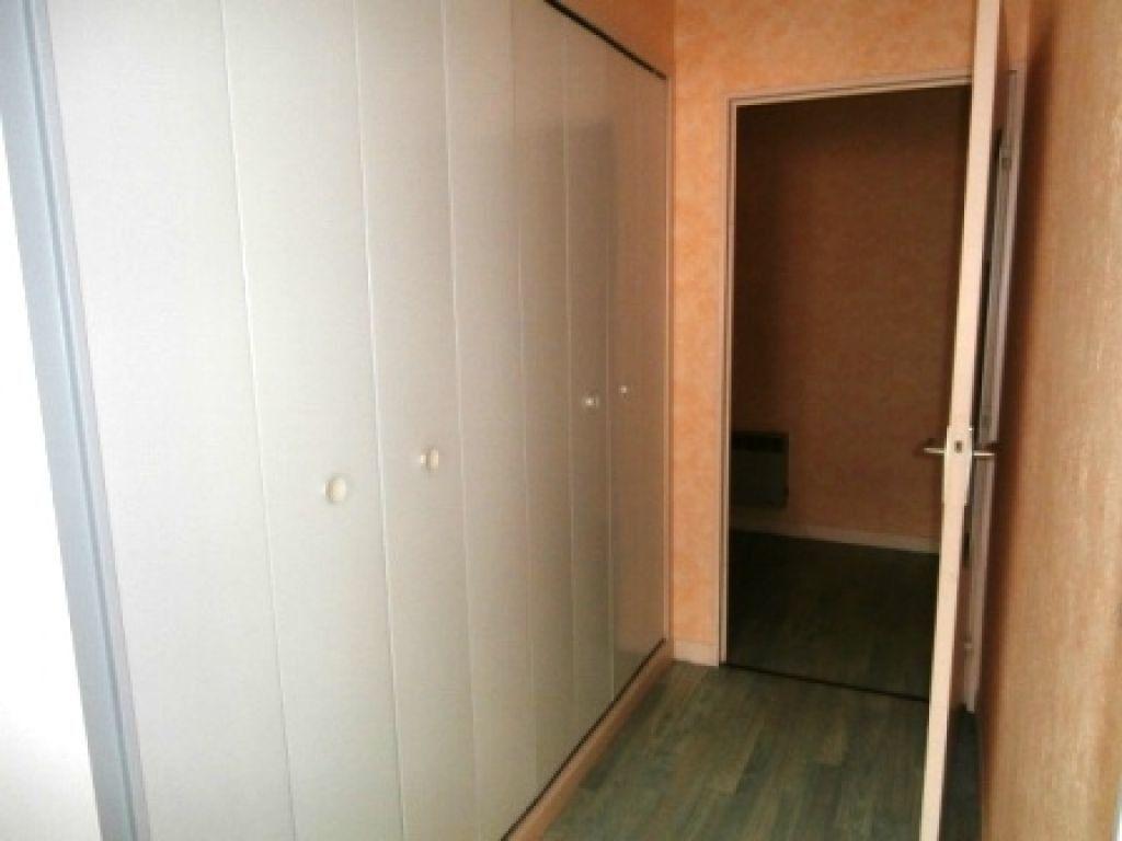 Appartement à louer 1 35m2 à Montluçon vignette-4