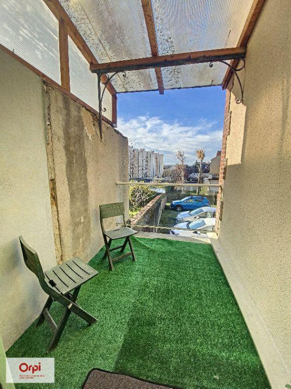 Appartement à louer 2 31.2m2 à Montluçon vignette-7