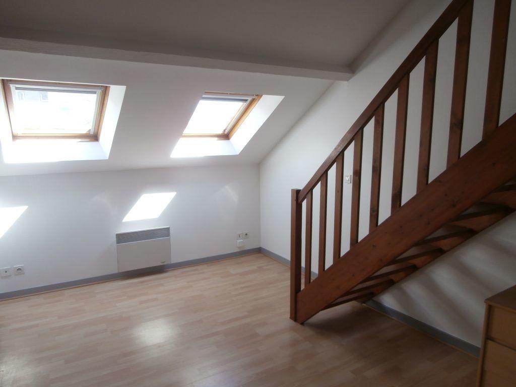 Appartement à louer 1 20m2 à Montluçon vignette-2