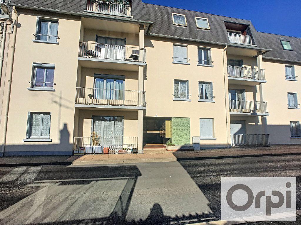Appartement à louer 1 38m2 à Montluçon vignette-6