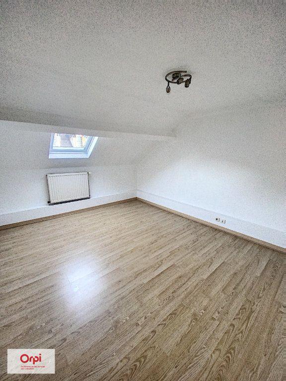 Appartement à louer 3 50m2 à Montluçon vignette-3