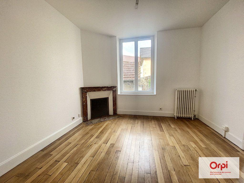 Appartement à louer 4 110.79m2 à Montluçon vignette-10