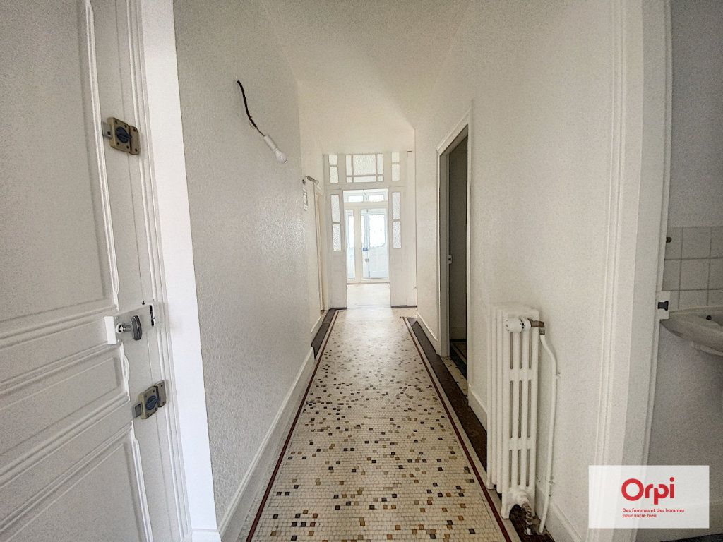 Appartement à louer 4 110.79m2 à Montluçon vignette-14