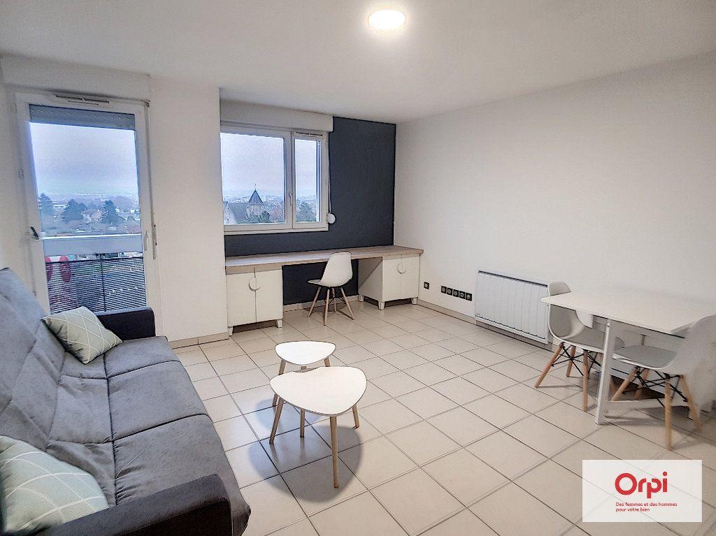 Appartement à louer 1 28.55m2 à Montluçon vignette-1