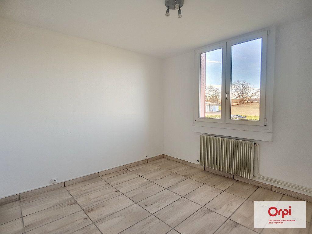Appartement à louer 3 53.29m2 à Montluçon vignette-4