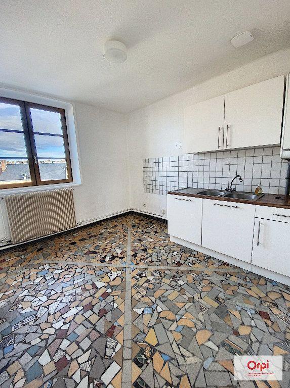 Appartement à louer 2 57.99m2 à Montluçon vignette-1