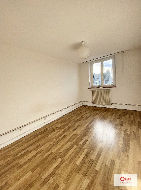 Appartement à louer 2 57.99m2 à Montluçon vignette-3