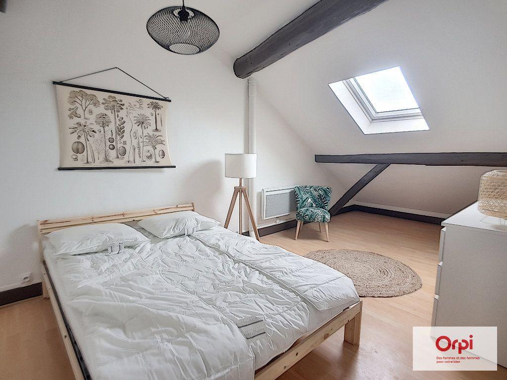 Appartement à louer 2 47m2 à Montluçon vignette-2