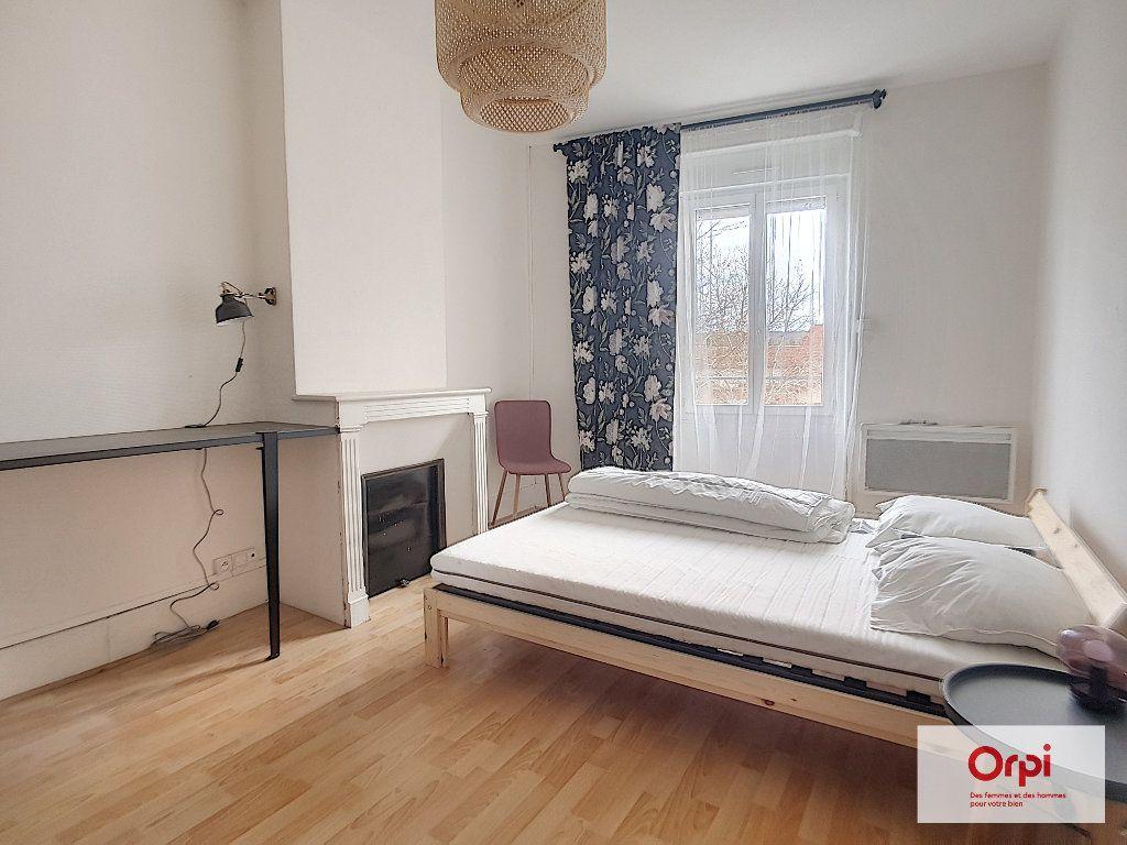 Appartement à louer 3 65m2 à Montluçon vignette-4