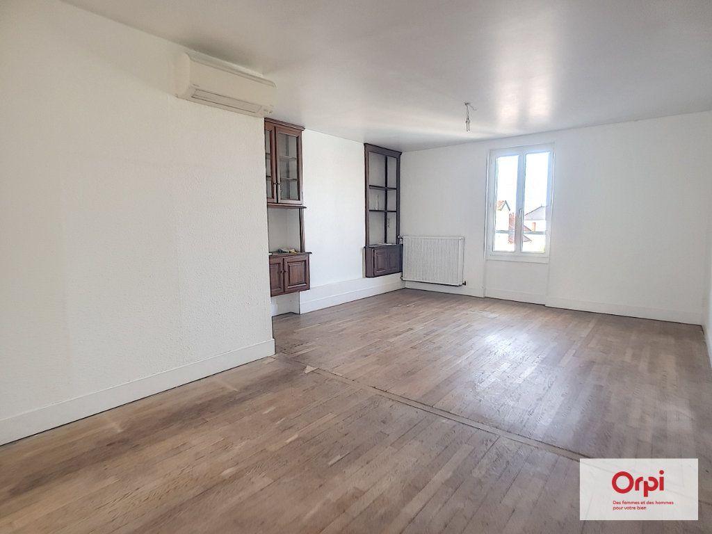 Appartement à louer 4 70m2 à Montluçon vignette-1