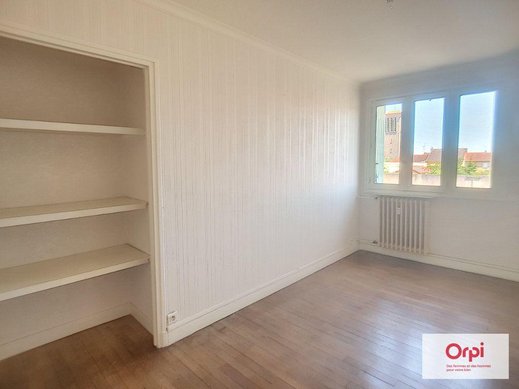 Appartement à louer 3 72.53m2 à Montluçon vignette-3