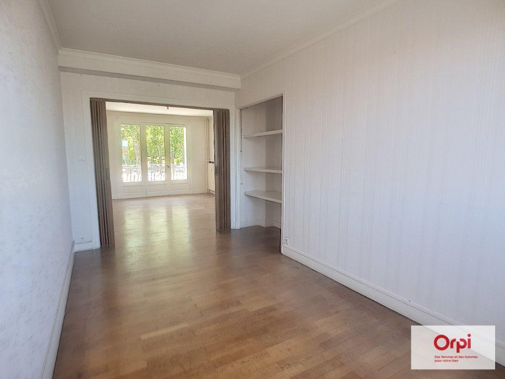 Appartement à louer 3 72.53m2 à Montluçon vignette-7
