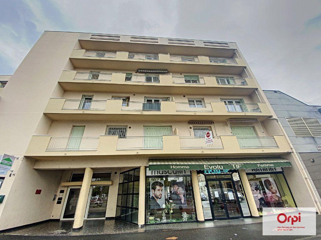 Appartement à louer 3 72.53m2 à Montluçon vignette-10
