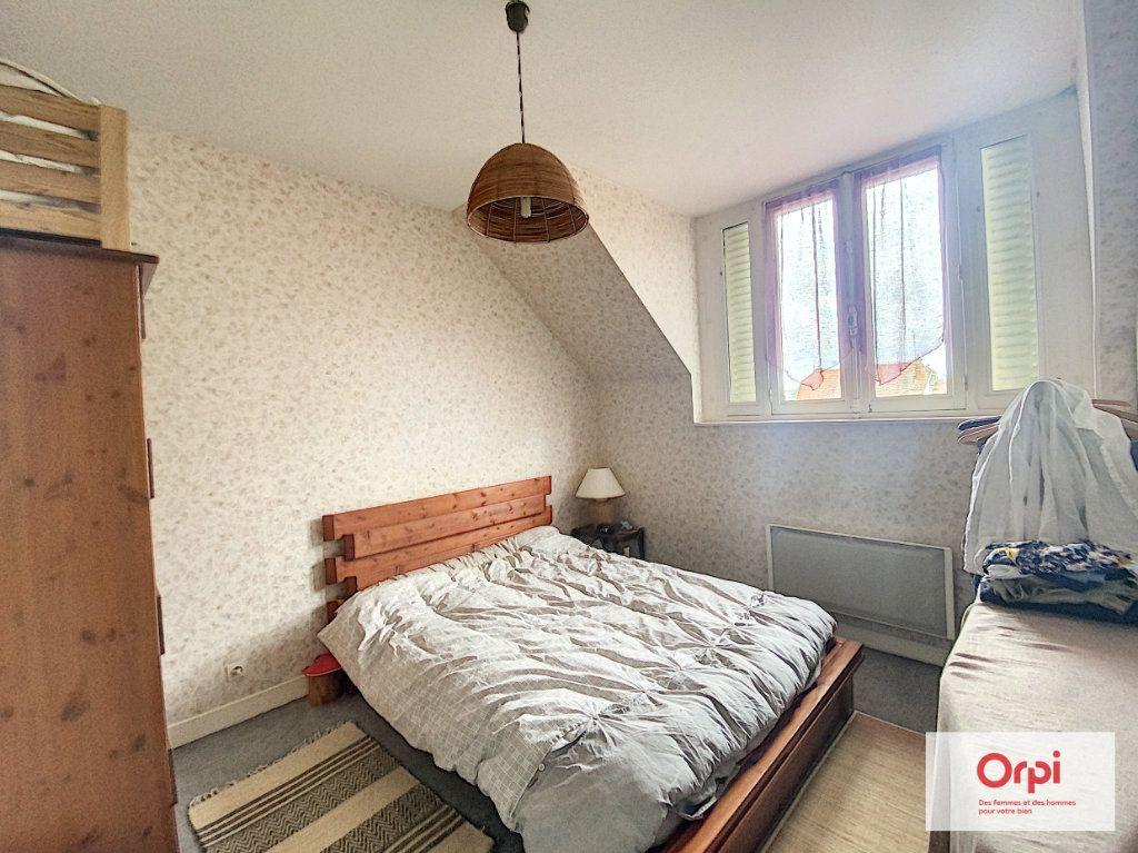 Appartement à louer 2 50m2 à Néris-les-Bains vignette-4