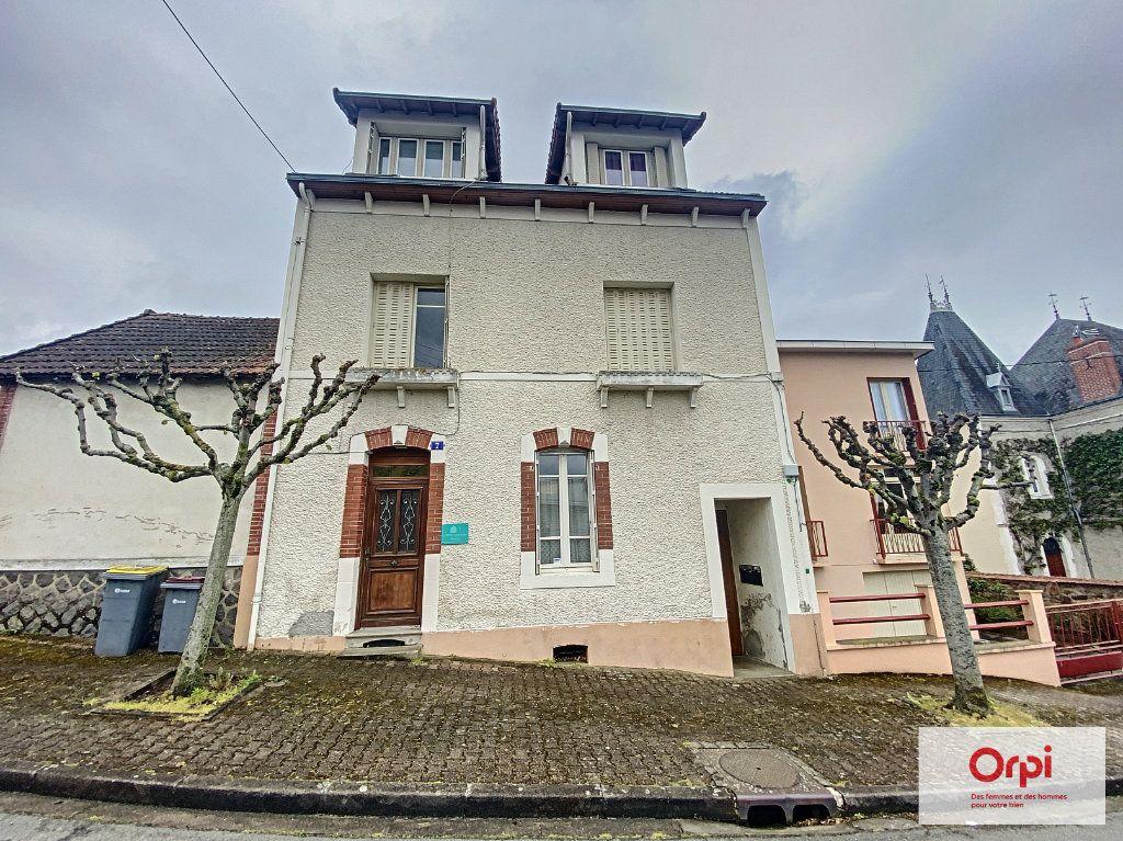 Appartement à louer 2 50m2 à Néris-les-Bains vignette-6