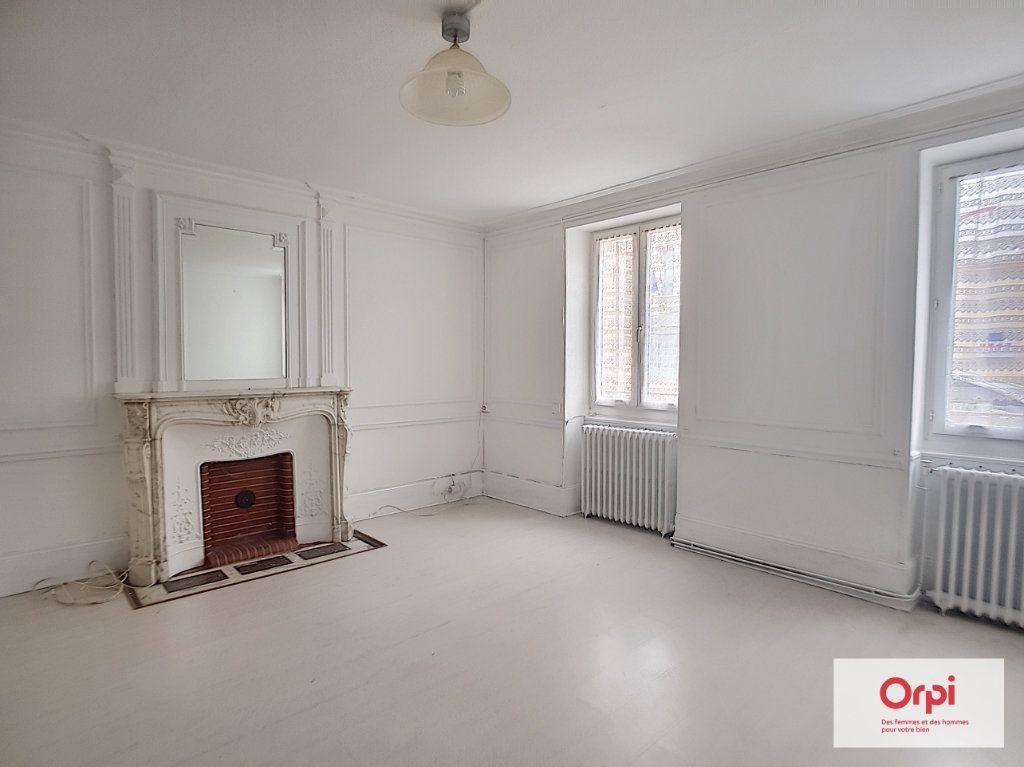 Appartement à louer 1 42m2 à Néris-les-Bains vignette-3