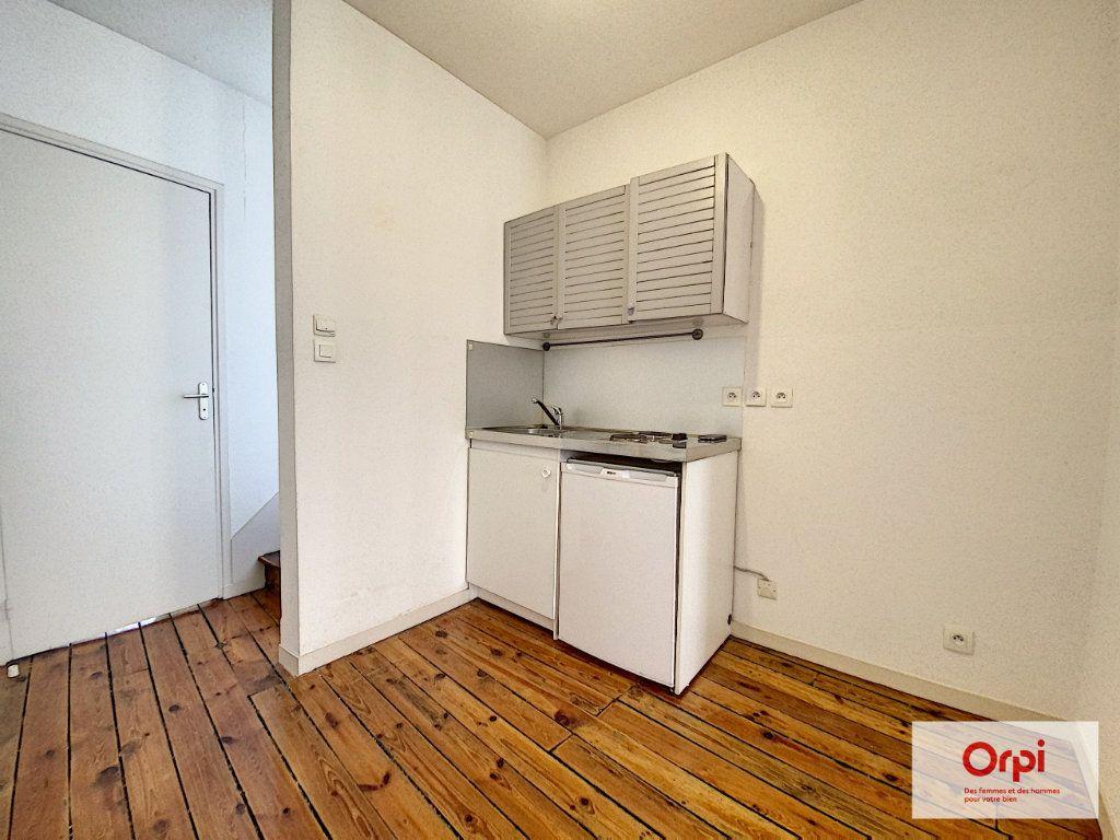 Appartement à louer 3 54.74m2 à Montluçon vignette-2