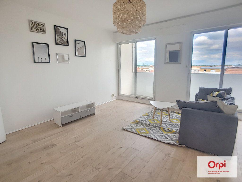Appartement à louer 1 30m2 à Montluçon vignette-4