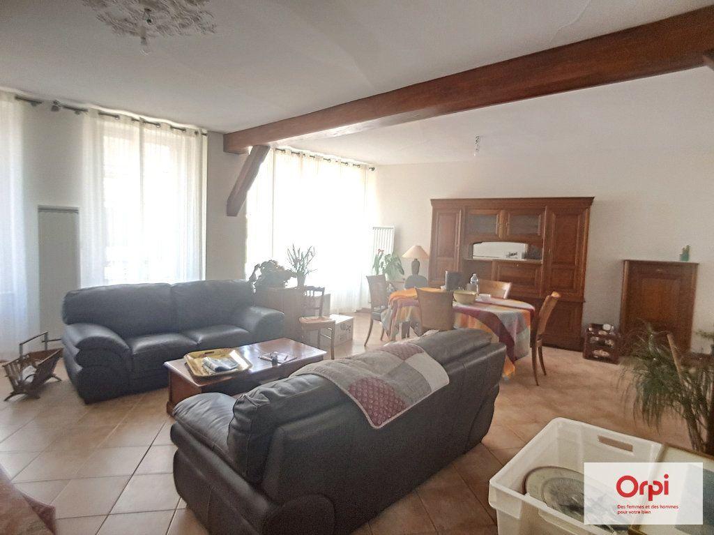 Maison à louer 5 130m2 à Deux-Chaises vignette-2