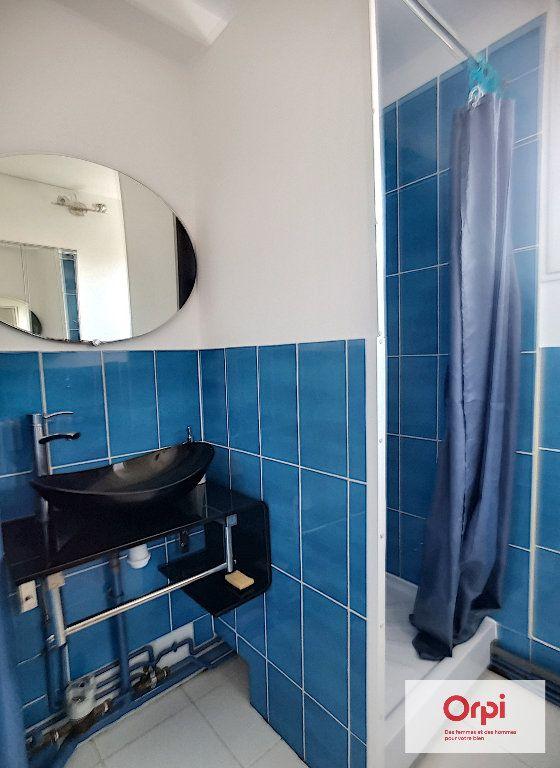 Appartement à louer 3 58m2 à Montluçon vignette-5