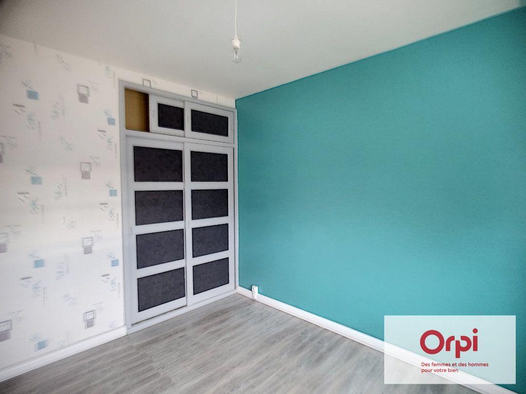 Appartement à louer 3 58m2 à Montluçon vignette-7