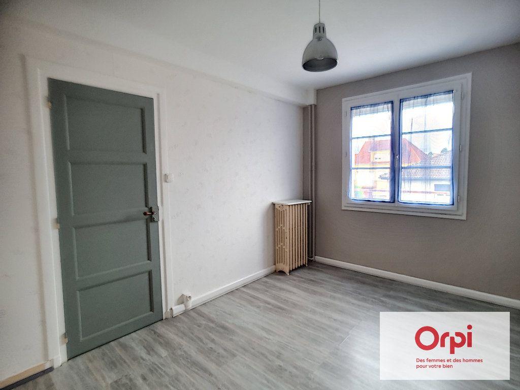 Appartement à louer 3 58m2 à Montluçon vignette-9
