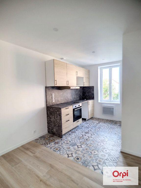 Appartement à louer 3 80m2 à Montluçon vignette-1