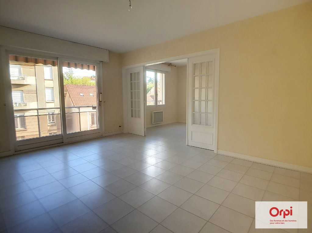 Appartement à louer 2 65m2 à Montluçon vignette-3