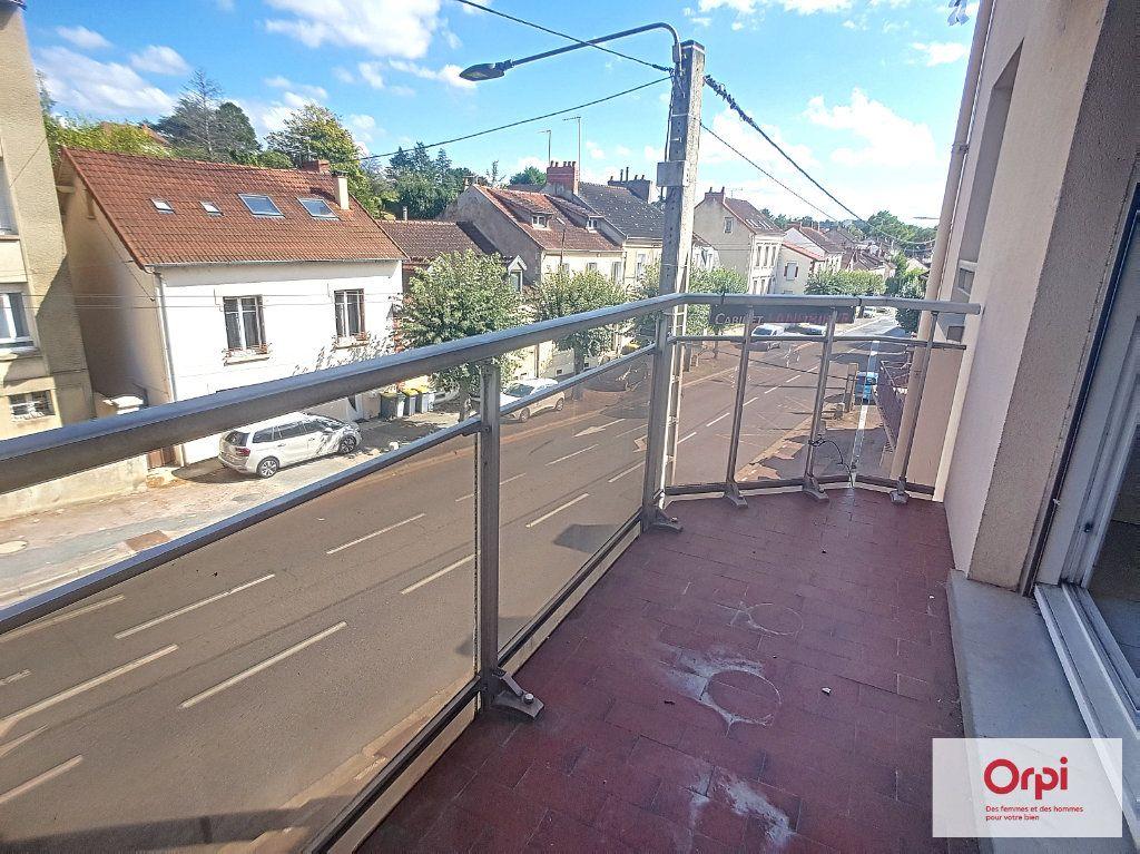 Appartement à louer 2 65m2 à Montluçon vignette-8