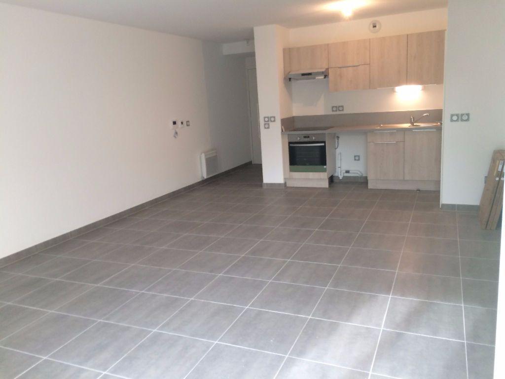 Appartement à louer 3 66m2 à Montpellier vignette-2