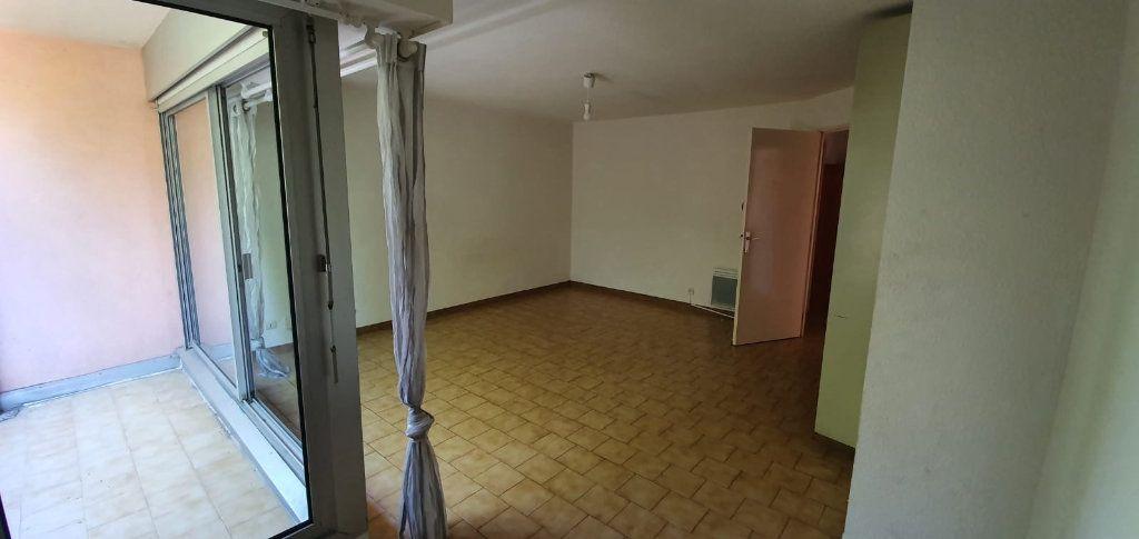 Appartement à louer 1 33m2 à Montpellier vignette-1