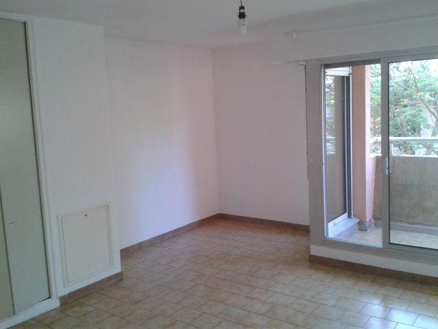 Appartement à louer 1 33m2 à Montpellier vignette-2