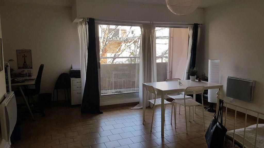 Appartement à louer 1 33m2 à Montpellier vignette-5