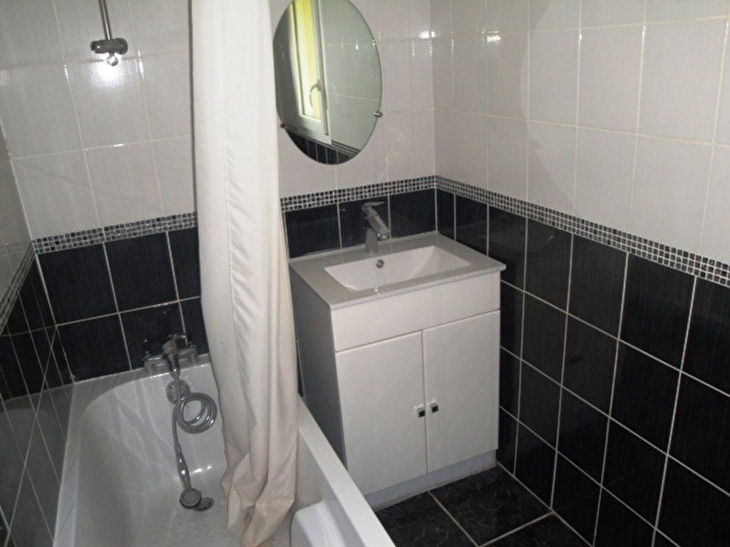 Appartement à louer 1 26.56m2 à Toury vignette-2