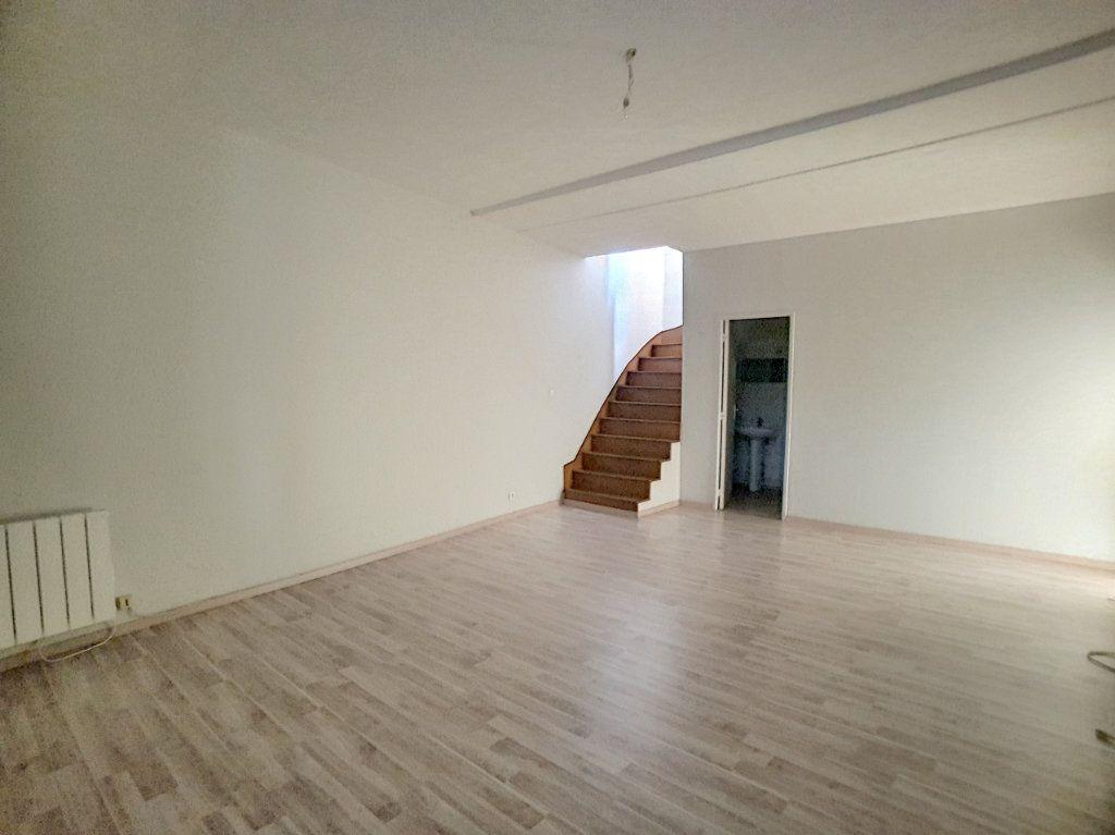 Appartement à louer 3 76.8m2 à Toury vignette-1