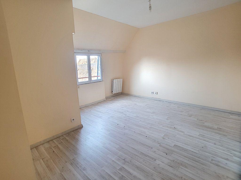 Appartement à louer 3 76.8m2 à Toury vignette-3